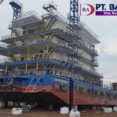 Accomodation Crane Barge