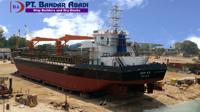 Cargo Ship with Cranes